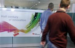 Texas Instruments, dont le chiffre d'affaires trimestriel a dépassé le consensus, a cependant avertit que la demande était faible dans le secteur des semi-conducteurs. /Photo prise le 18 décembre 2012/REUTERS/Eric Gaillard