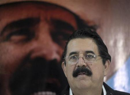 Former Honduran President Manuel Zelaya attends a news conference after casting his vote during primary elections in Tegucigalpa November 18, 2012. REUTERS/Jorge Cabrera