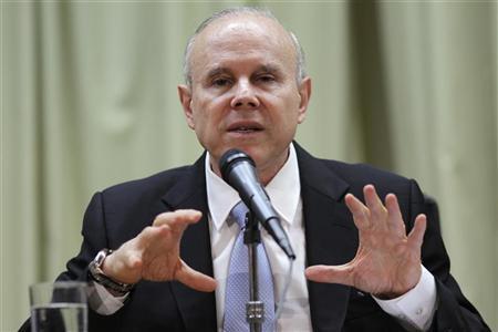 Brazil's Finance Minister Guido Mantega speaks during a news conference in Brasilia November 7, 2012. REUTERS/Ueslei Marcelino