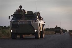 Tropas francesas em atividade no Mali combatem militantes ligados à al Qaeda. Chefe da ONU disse a Conselho de Segurança que forneça apoio logístico para operações militares. 22/01/2013. REUTERS/Joe Penney