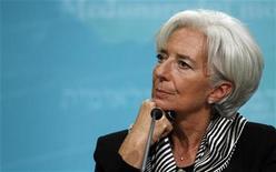Diretora-gerente do Fundo Monetário Internacional (FMI), Christine Lagarde, é vista durante coletiva de imprensa em Washington, nos Estados Unidos. Uma teimosa recessão inesperada na zona do euro e a fraqueza no Japão vão pesar sobre o crescimento da economia global neste ano, antes de uma recuperação em 2014 que deve mostrar a expansão mais rápida desde 2010, afirmou FMI nesta quarta-feira. 17/01/2013 REUTERS/Gary Cameron