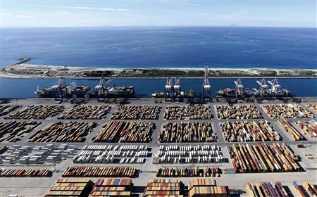 Italy's biggest container port Gioia Tauro is seen from a helicopter in the southern Italian region of Calabria November 8, 2012. Picture taken November 8, 2012. REUTERS/Alessandro Bianchi/Files