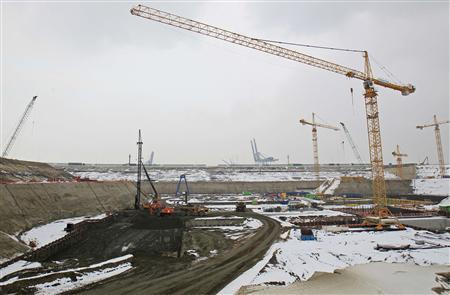 Construction work is seen taking place at the Deurganckdoksluis at Belgium's port of Antwerp January 18, 2013, which will be the world's largest lock once it is completed in 2016. REUTERS/Yves Herman