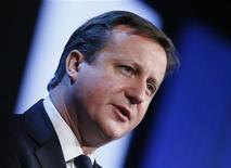 El primer ministro británico, David Cameron, en el Foro Económico Mundial de Davos, Suiza, ene 24 2013. El primer ministro británico, David Cameron, advirtió el jueves que cualquier intento por forzar a las naciones de la Unión Europea a profundizar su unión política era un error del que su país no sería parte. REUTERS/Pascal Lauener