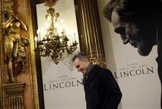 """Protagonista do filme """"Lincoln"""" Daniel Day-Lewis durante sessão de fotos para promover o filme em Madri. 16/01/2013 REUTERS/Susana Vera"""