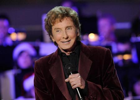 Singer Barry Manilow performs at the 5th Annual Holiday Tree Lighting at L.A. Live in Los Angeles, California November 28, 2012. REUTERS/Gus Ruelas