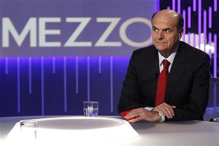 Democratic Party leader Pier Luigi Bersani poses before the taping of the talk show ''Otto e mezzo'' (Eight and a half) at La7 television in Rome January 7, 2013. REUTERS/Giampiero Sposito