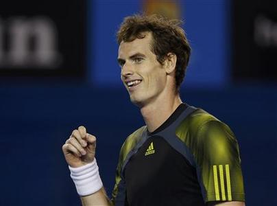 Andy Murray of Britain reacts during his men's singles semi-final match against Roger Federer of Switzerland at the Australian Open tennis tournament in Melbourne January 25, 2013. REUTERS/Damir Sagolj