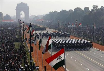 Soldiers march during the Republic Day parade in New Delhi January 26, 2013. REUTERS/Ahmad Masood