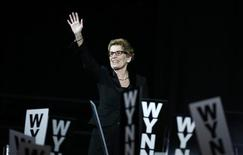 Leadership candidate Kathleen Wynne waves after winning the leadership bid to become the new Premier of Ontario at the Ontario Liberal leadership convention in Toronto January 26, 2013. REUTERS/Mark Blinch
