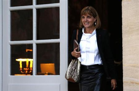 Former French nuclear reactor maker head Anne Lauvergeon arrives for a meeting with France's Prime Minister at the Hotel Matignon in Paris October 16, 2012. REUTERS/Charles Platiau