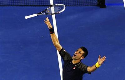 Djokovic pounces to claim Melbourne three-peat