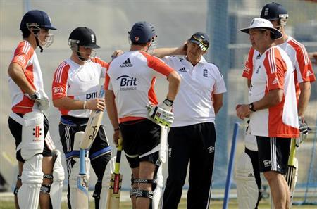 (From L to R) England's Alastair Cook, Ian Bell, Andrew Strauss, coach Andy Flower, batting coach Graham Gooch and Kevin Pietersen chat during a training session at the ICC Global cricket academy in Dubai January 21, 2012. REUTERS/Philip Brown/Files