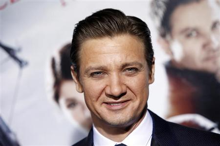 Actor Jeremy Renner arrives at the premiere of the film ''Hansel and Gretel: Witch Hunters'' at Grauman's Chinese Theatre in Hollywood, California January 24, 2013. REUTERS/Patrick Fallon