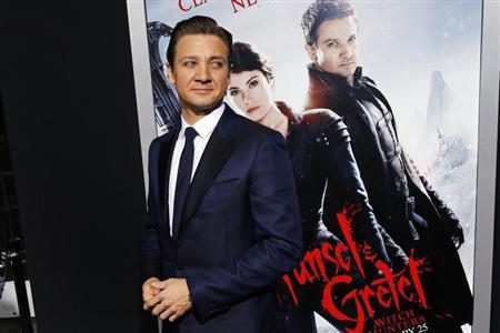 Cast member Jeremy Renner arrives at the premiere of the film ''Hansel and Gretel: Witch Hunters'' at Grauman's Chinese Theatre in Hollywood, California January 24, 2013. REUTERS/Patrick Fallon