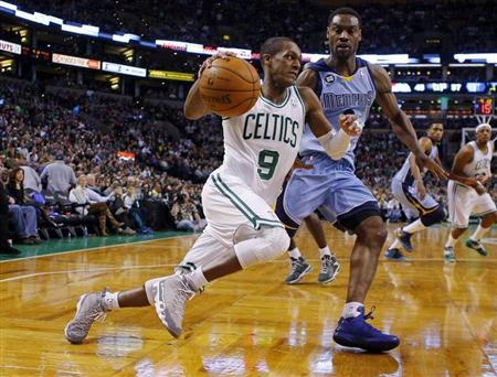 Boston Celtics guard Rajon Rondo (9) drives to the basket against Memphis Grizzlies guard Tony Allen in the second half of their NBA basketball game in Boston, Massachusetts January 2, 2013. REUTERS/Brian Snyder