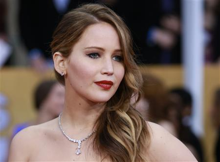 Actress Jennifer Lawrence, from the film ''Silver Linings Playbook,'' arrives at the 19th annual Screen Actors Guild Awards in Los Angeles, California January 27, 2013. REUTERS/Adrees Latif