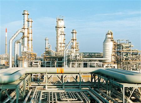 A February 2003 photo of the Reliance Industries Limited petrochemical plant at Jamnagar. REUTERS/Handout/Files