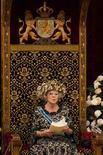 Imagen de archivo de la reina Beatriz de Holanda en La Haya, sep 18 2012. La reina Beatriz de Holanda anunció su abdicación en favor de su hijo el príncipe Guillermo Alejandro en un mensaje a la nación transmitido por radio y televisión el lunes por la noche. REUTERS/Vincent Jannink/Pool/Files