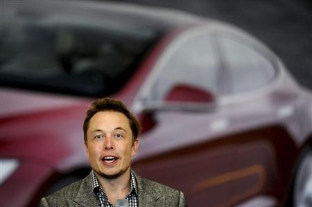 Tesla Chief Executive Office Elon Musk speaks at his company's factory in Fremont, California, June 22, 2012, as the car company began delivering its Model S electric sedan. REUTERS/Noah Berger
