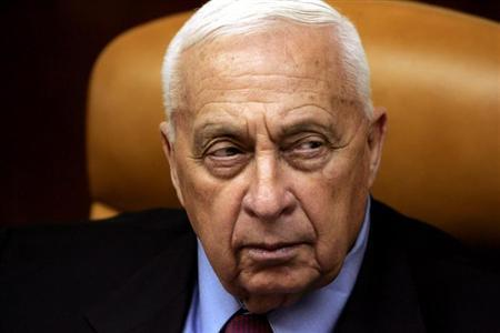 Israeli Prime Minister Ariel Sharon looks on during a meeting at his office in Jerusalem October 10, 2005. REUTERS/Ronen Zvulun