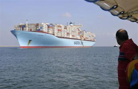 Container ship Edith Maersk crosses the Suez Canal at East Port Said Port, 120 km (75 miles) northeast of Cairo, October 5, 2012. REUTERS/Stringer/Files