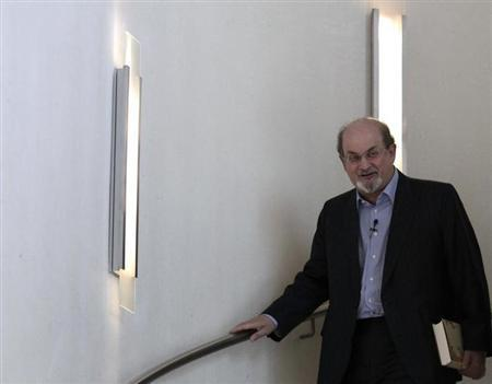Author Salman Rushdie arrives to present his auto-biography ''Joseph Anton'' during a promotional event in Berlin October 1, 2012. REUTERS/Tobias Schwarz