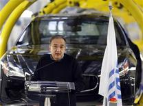 Sergio Marchionne, administrateur délégué de Fiat. Le constructeur automobile italien annonce avoir réduit ses pertes en Europe au quatrième trimestre. /Photo prise le 30 janvier 2013/REUTERS/Stefano Rellandini