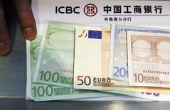 Italia, Bankitalia: migliora credito banche a imprese in quarto trimestre. REUTERS/Francois Lenoir