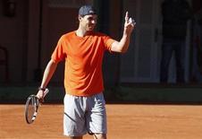 Rafa Nadal rebajó las expectativas sobre su esperado regreso a la competición a comienzos de febrero tras siete meses fuera del tenis por una lesión de rodilla. Imagen de Nadal el 30 de enero en una sesión de entrenamiento en el club de tenis de Manacor, en Mallorca. REUTERS/Enrique Calvo