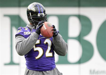 Baltimore Ravens inside linebacker Ray Lewis (52) warms up during a NFL Super Bowl XLVII football practice in New Orleans, Louisiana January 30, 2013. The Ravens will play against the San Francisco 49ers in the game on February 3. Lewis, dogged by various accusations over his brilliant NFL career with the Baltimore Ravens, dismissed a report on Tuesday that said he had used a product containing a banned substance. REUTERS/Sean Gardner