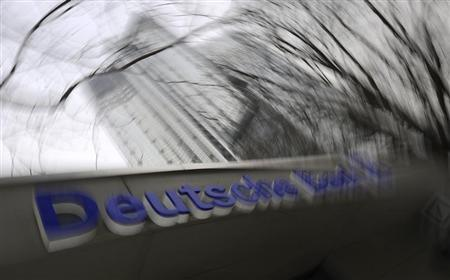 A branch of Germany's largest business bank Deutsche Bank AG is seen downtown Frankfurt, January 14, 2009. REUTERS/Kai Pfaffenbach