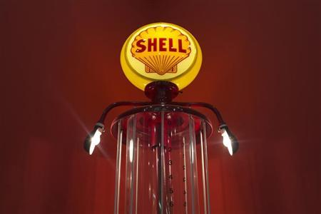 A vintage Shell fuel pump is displayed at the Iowa 80 trucking museum in Walcott, Iowa July 12, 2012. REUTERS/Adrees Latif