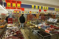 L'inflation a diminué plus que prévu au mois de janvier en Allemagne, selon des données préliminaires, tombant sous l'objectif défini par la Banque centrale européenne. La hausse des prix en rythme annuel a représenté 1,7% alors qu'en décembre, elle s'était inscrite à 2,1%. /Phoot d'archives/REUTERS/Fabrizio Bensch