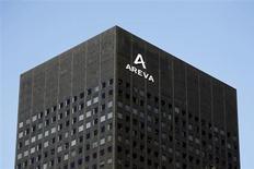 Areva affiche un chiffre d'affaires en hausse de 5,3% en 2012, tiré par ses activités dans l'aval et les renouvelables mais également freiné par des décalages de livraisons dans le nucléaire et d'une provision dont le montant n'a pas été précisé. /Photo d'archives/REUTERS/Charles Platiau