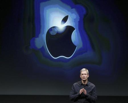 Apple CEO Tim Cook speaks about the iPhone 4S at Apple headquarters in Cupertino, California October 4, 2011. REUTERS/Robert Galbraith