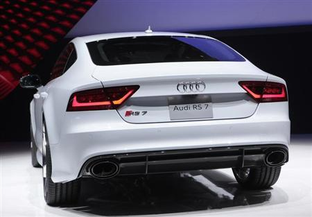 Rear view of the Audi RS 7 Sportback as it is displayed at the North American International Auto Show in Detroit, Michigan January 14, 2013. REUTERS/Rebecca Cook (UNITED STATES - Tags: TRANSPORT BUSINESS)