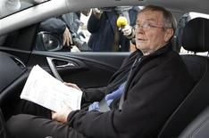 Maurice Agnelet est sorti vendredi du centre de détention de Mauzac, en Dordogne, où il était incarcéré pour le meurtre d'Agnès Le Roux, héritière d'un grand casino niçois. /Photo prise le 1er février 2013/REUTERS/Régis Duvignau