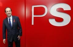 """L'opposition de droite accuse l'exécutif français de constituer un """"Etat PS"""" et de se livrer à une véritable purge dans la fonction publique, en contradiction avec les engagements de François Hollande d'instaurer une République exemplaire. L'Elysée et Matignon rejettent ces critiques, invoquant des critères de compétence et affirmant que seule une poignée de hauts fonctionnaires s'étant mis au service exclusif de l'ex-président Nicolas Sarkozy ont été évincés. /Photo d'archives/REUTERS/François Lenoir"""