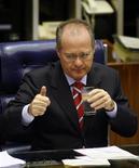 Foto de arquivo do então presidente do Senado, Renan Calheiros, durante audiência em Brasília. A disputa pela presidência do Senado terá oficialmente dois postulantes, Renan Calheiros (PMDB-AL) e Pedro Taques (PDT-MT), cujas candidaturas foram formalmente anunciadas na manhã desta sexta-feira. 13/09/2007 REUTERS/Jamil Bittar