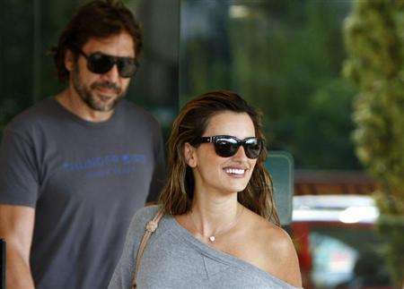 Oscar winning Spanish actress Penelope Cruz and her husband Javier Bardem leave a hotel in Sarajevo, September 9, 2011. REUTERS/Dado Ruvic/Files