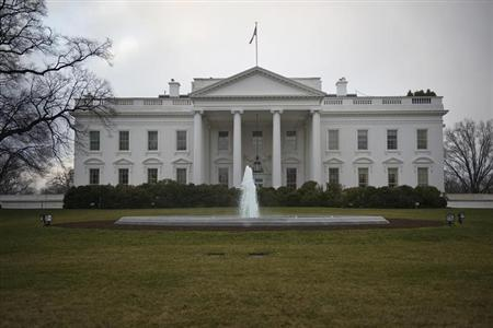 A general view of the North Lawn of the White House in Washington January 24, 2012. REUTERS/Jonathan Ernst/Files