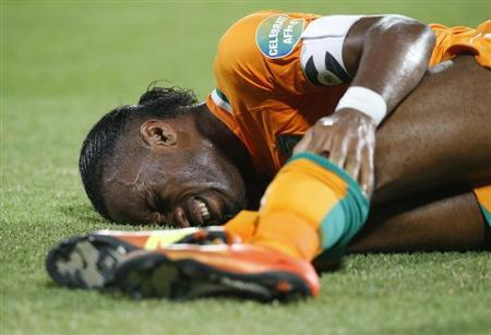 Ivory Coast's Didier Drogba reacts to an injury during their African Nations Cup (AFCON 2013) Group D football match against Algeria in Rustenburg, January 30, 2013. REUTERS/Mike Hutchings