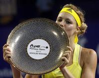 La Russe Maria Kirilenko a remporté dimanche le tournoi de Pattaya face à l'Allemande Sabine Lisicki en trois manches 5-7, 6-1, 7-6 (1) et 2h37 de jeu. /Photo prise le 3 février 2013/REUTERS/Chaiwat Subprasom