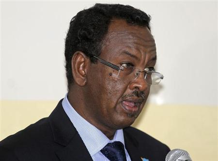 Somalia's newly appointed Prime Minister Abdi Farah Shirdon Saaid addresses members of the parliament after his introduction in Mogadishu October 17, 2012. REUTERS/Ismail Taxta/Files