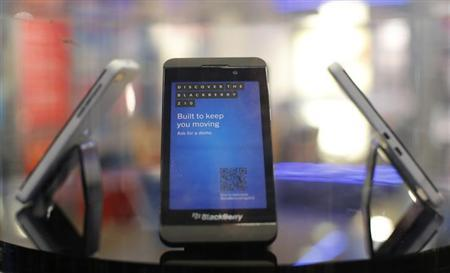 A new Blackberry Z10 is displayed at a branch of UK retailer Phones 4U in central London, January 31, 2013. REUTERS/Andrew Winning