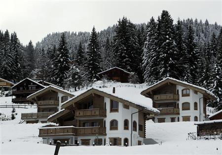 Chalets are pictured in Barboleuse near the alpine ski resort of Villars-sur-Ollon December 4, 2012. REUTERS/Denis Balibouse