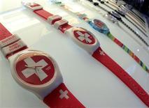 Swatch Group voit un solide potentiel de croissance pour l'industrie horlogère suisse en général et ses activités en particulier au vu du bon démarrage de 2013. /Photo prise le 4 février 2013/REUTERS/Arnd Wiegmann