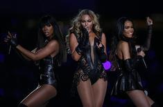 Beyoncé e Destiny's Child apresentam-se durante intervalo do campeonato de futebol americano Super Bowl em Nova Orleans, Louisiana. 03/02/2013 REUTERS/Jeff Haynes