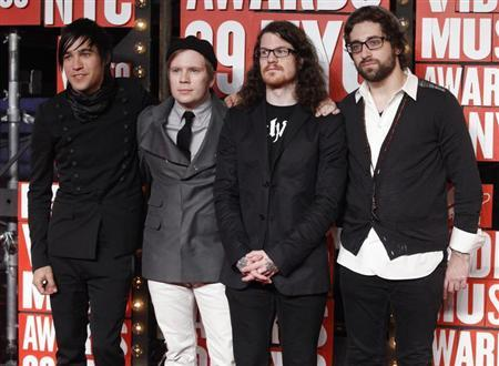 The group Fall Out Boy poses at the 2009 MTV Video Music Awards in New York, September 13, 2009. REUTERS/Eric Thayer